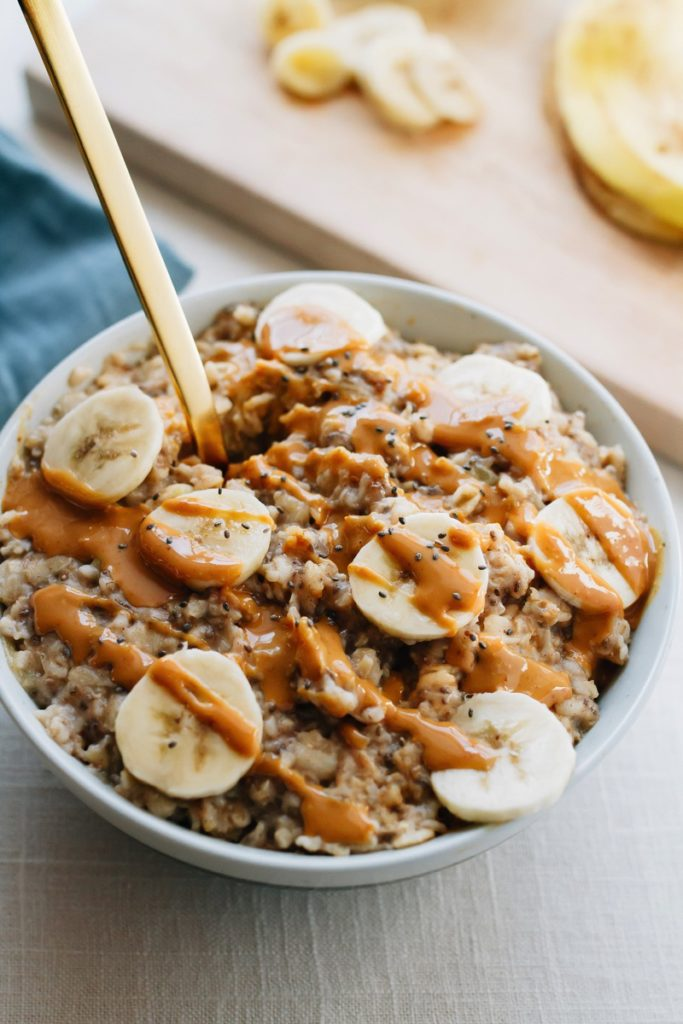 Peanut-Butter-Banana-Chia-Oatmeal