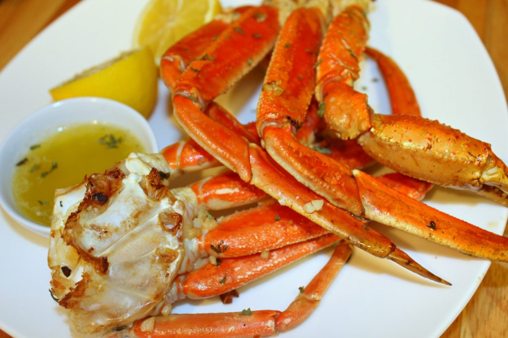 Perfectly Baked Crab Legs With Spicy Garlic Butter Forks N Flip