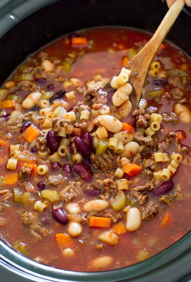 slow-cooker-pasta-e-fagioli-soup