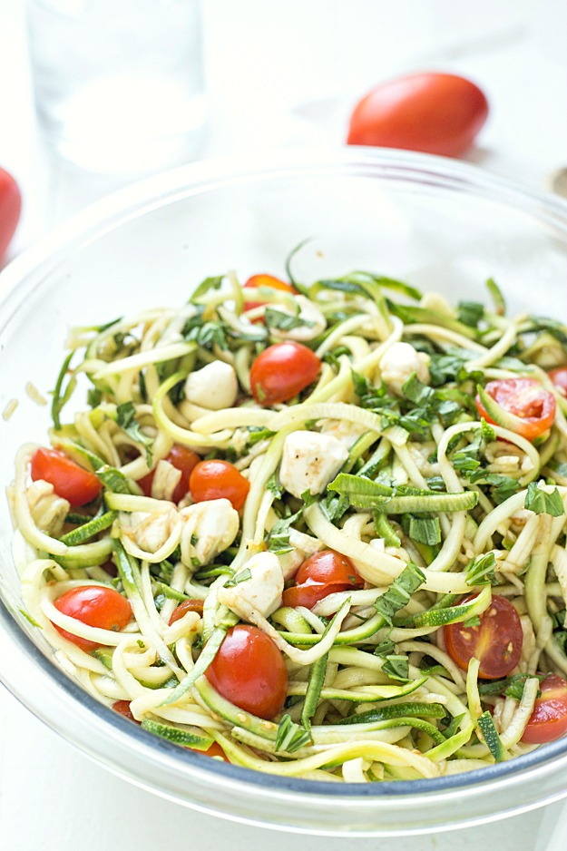 Caprese-Zucchini-Summer-Pasta-Salad