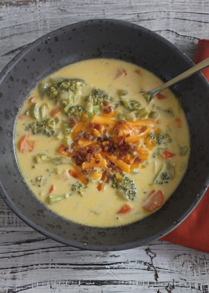Easy-Broccoli-Cheddar-Soup